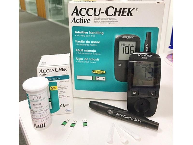 Máy đo đường huyết cầm tay