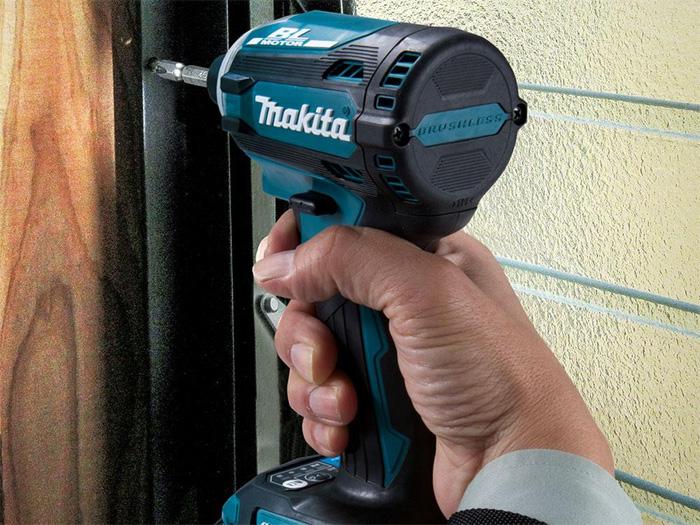 Máy vặn vít dùng pin Makita DTD171Z