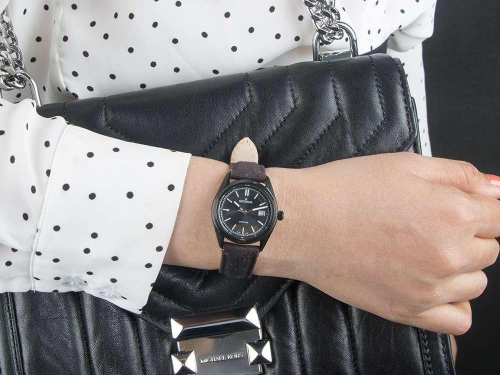 Đồng hồ nữ chính hãng