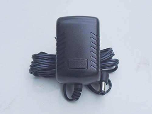 Máy bơm lốp xe ô tô dùng pin