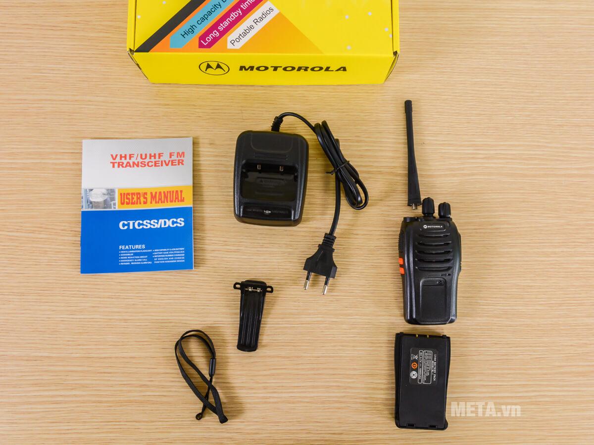 Các chi tiết của máy bộ đàm Motorola CP 920