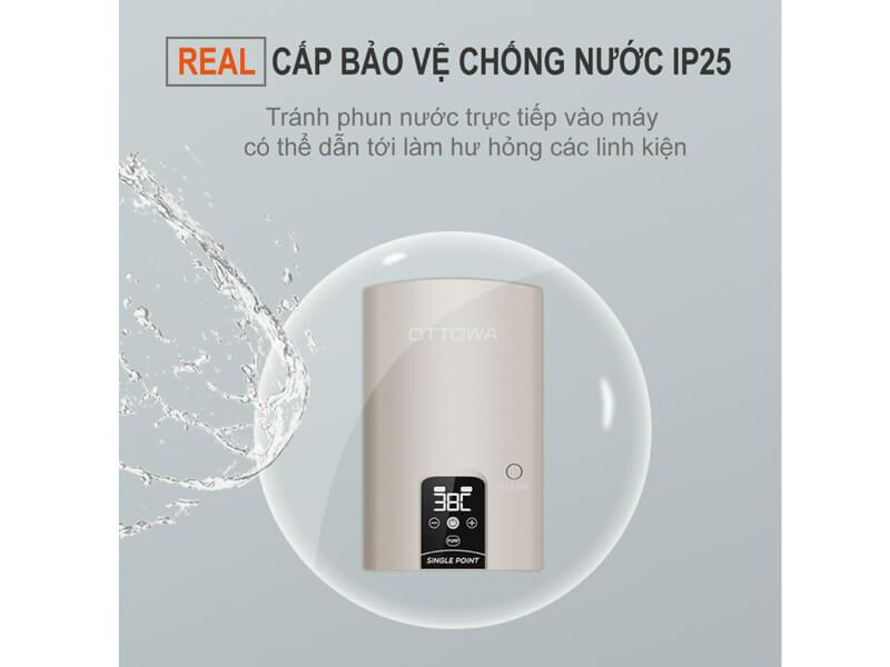 Khả năng chống nước IP25 giúp bảo vệ các linh kiện của máy
