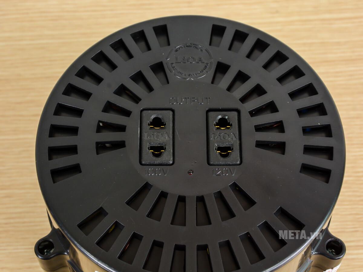 Ổ cắm hiển thị điện áp ra là 100V - 120V