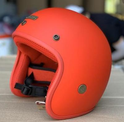 Mũ bảo hiểm màu cam