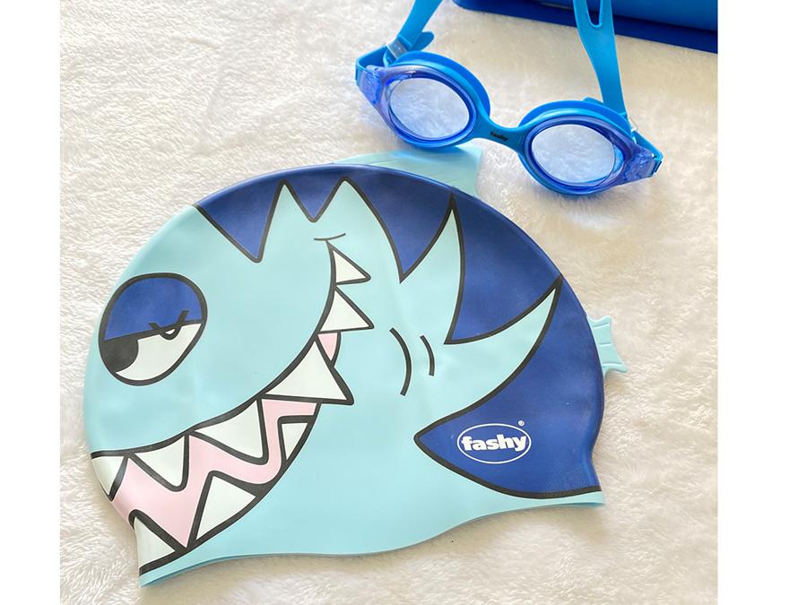 Nón bơi hình cá màu xanh biển