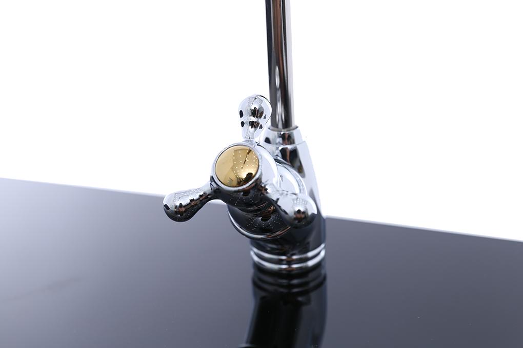 Máy lọc nước có vòi