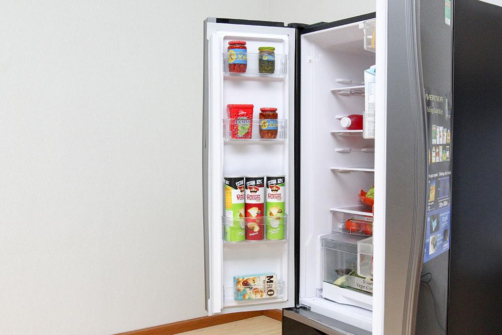 Khay ở cánh tủ lạnh