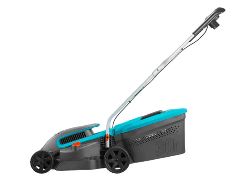Máy cắt cỏ bánh xe