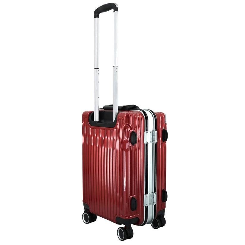 Cần kéo của vali được làm từ kim loại chắc chắn