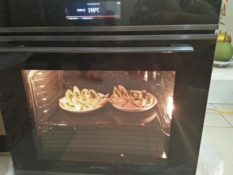 Lò nướng giúp nấu được nhiều món ăn khác nhau