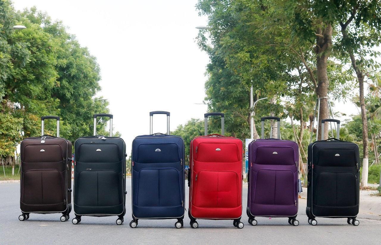 Vali có nhiều màu