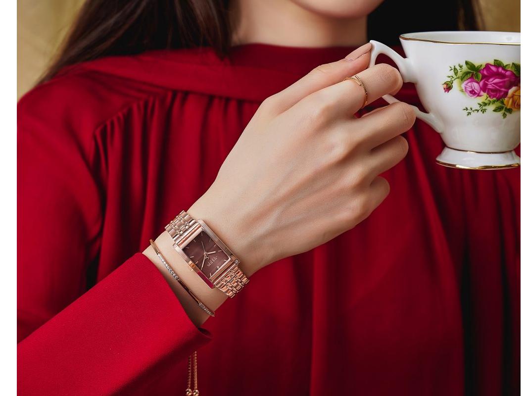 Đồng hồ thể hiện phong cách dịu dàng