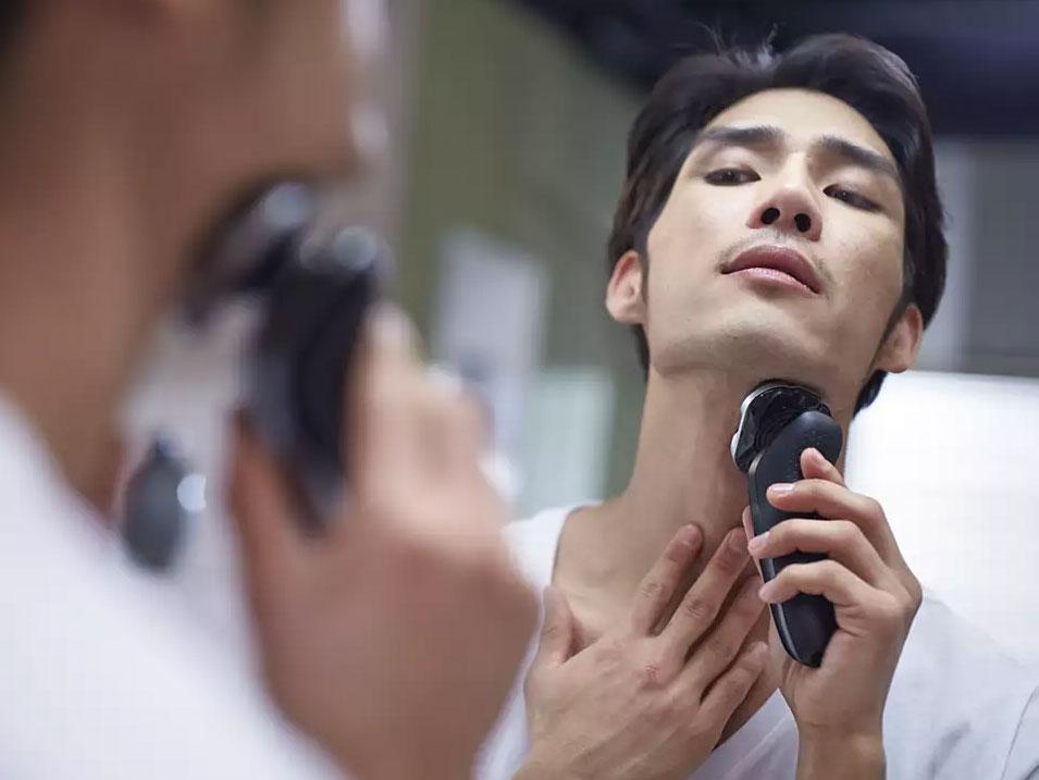 Máy cạo râu đa năng Philips S5083/03 giúp cạo sát êm ái