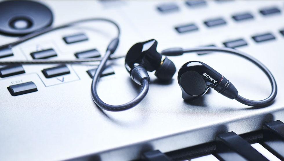 Tai nghe kiểm âm In-Ear IER-M7 thiết kế nhét tai nhỏ gọn