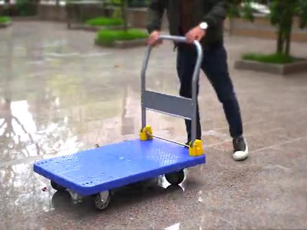 Mặt sàn bằng nhựa bền bỉ