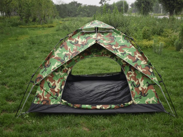 Lều cắm trại màu rằn ri