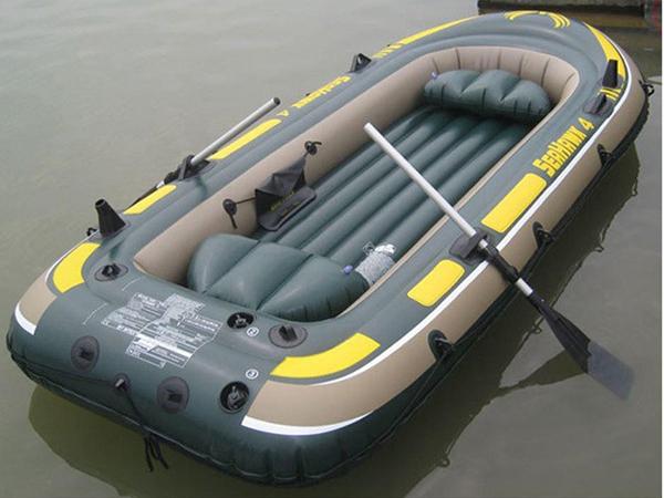 Thuyền bơm hơi làm từ nhựa PVC