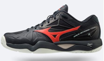 Giày tennis màu đen