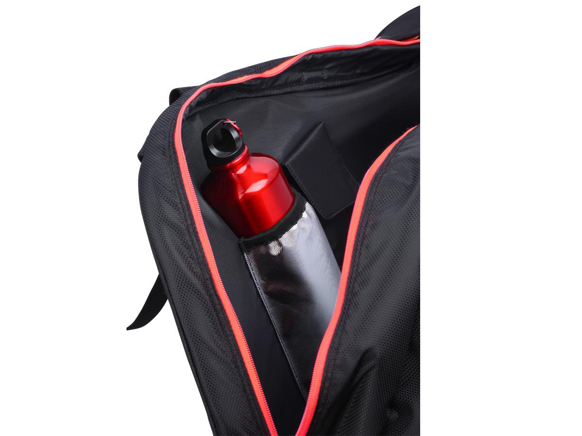 Túi chia làm nhiều ngăn với các chức năng khác nhau