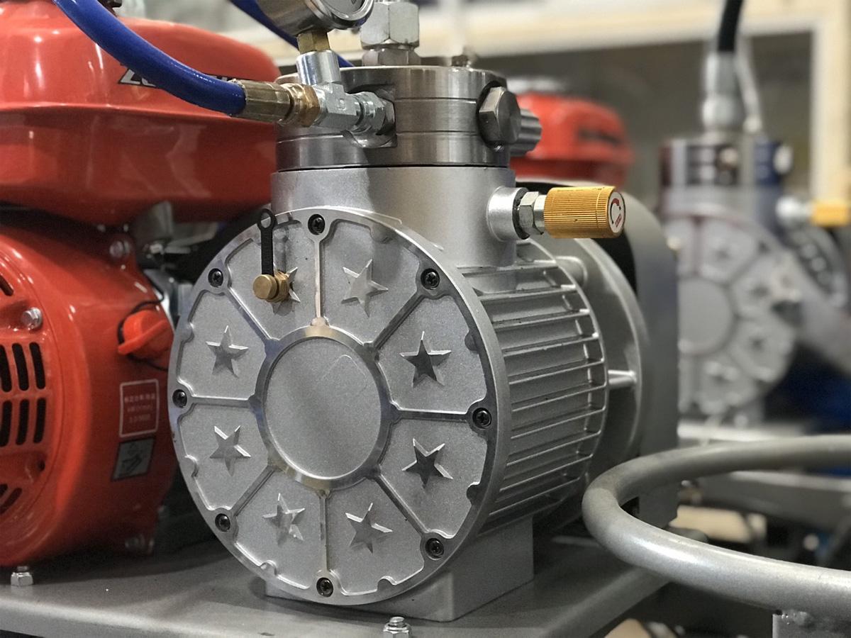 Máy sử dụng động cơ khỏe mạnh, siêu bền