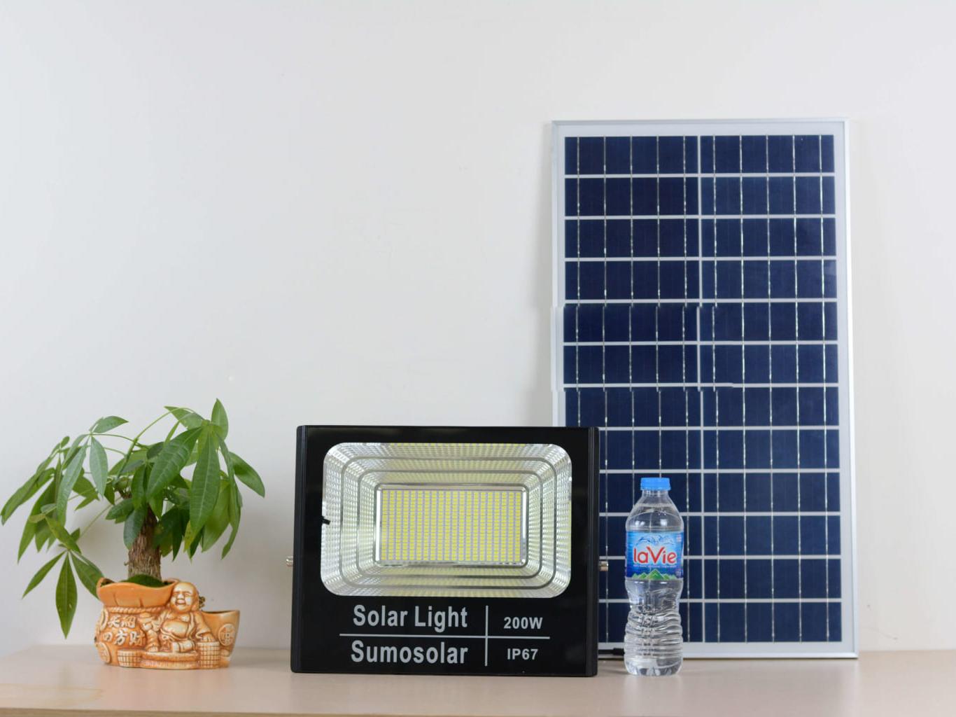 Đèn pha năng lượng mặt trời JM-T200 - TN08