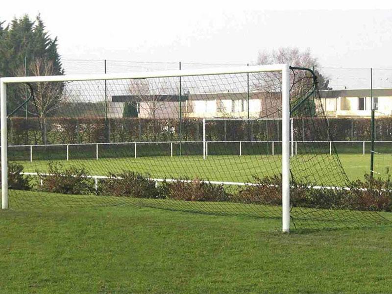 Lưới bóng đá thi đấu