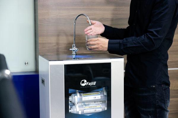 Máy lọc nước dùng điện