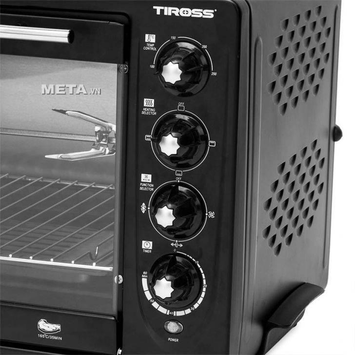 Lò nướng đối lưu Tiross 43 lít TS-962 sử dụng núm vặn cơ dễ điều chỉnh.