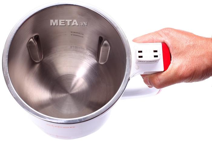 Máy làm sữa đậu nành Supor DJ13B-W62VN có ruột inox với dung tích 1.3 lít.