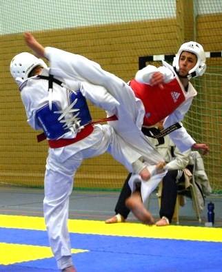 Thảm tập võ EVA E25 được lắp đặt trong phòng thi đấu Taekwondo.