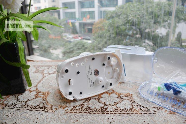Máy tăm nước Max-456 với công suất nước phù hợp sẽ làm sạch các mảng bám