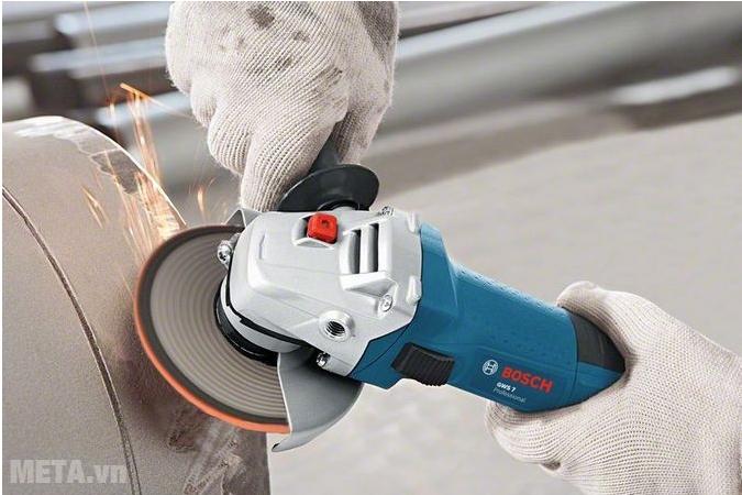 Máy mài góc Bosch GWS 7-125 (720W) hoạt động ổn đinh và mạnh mẽ.