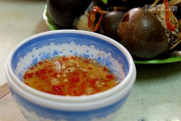 Các món chấm ngon hơn với nước mắm Chin-su Nam Ngư 500ml.