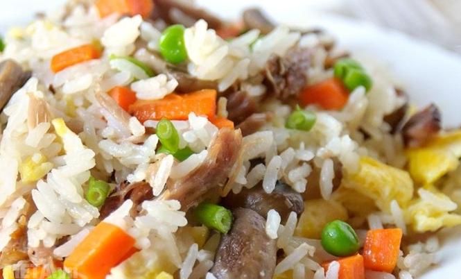 Gạo tám thơm đặc sản Điện Biên Thái Dương 5kg cho hạt gạo khi chín vô cùng thơm, dẻo, đậm vị.