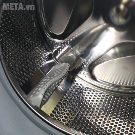 Máy giặt cửa trước 8kg Midea MFG80-1200 với lồng giặt thép có độ bền cao.