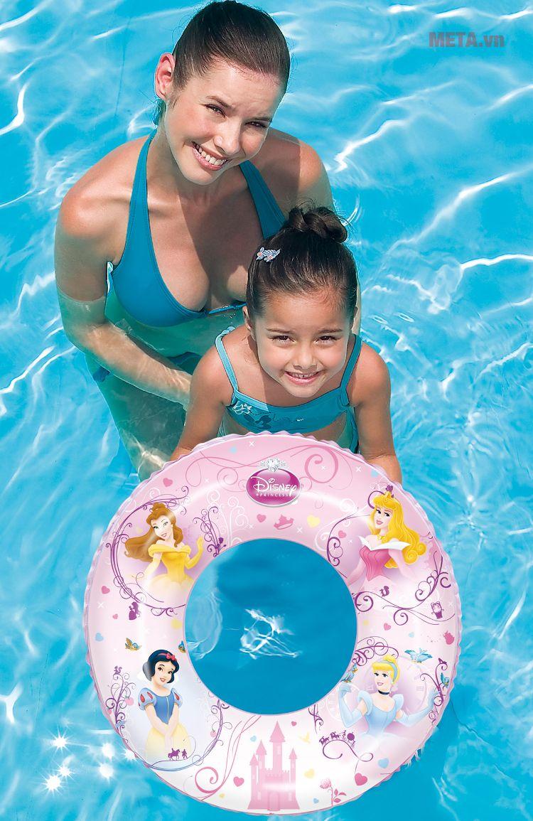 Phao bơi hình công chúa Bestway 91043 giúp trẻ tập bơi dễ dàng.