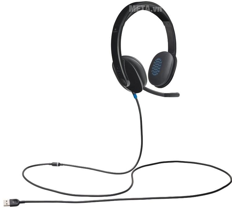 Tai nghe Logitech H540 kết nối dễ dàng với jack cắm usb.