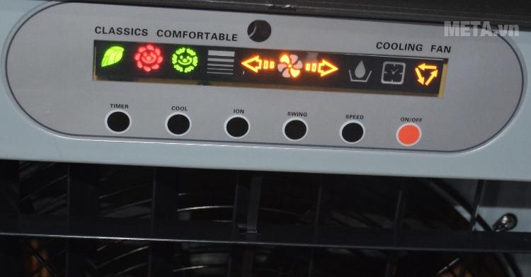 Máy làm mát Hichiko HC-6161 với màn hình khi sử dụng.