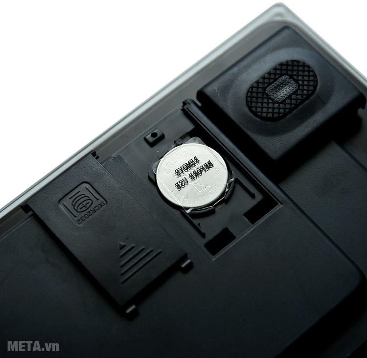 Cân sức khỏe điện tử phân tích Camry EF973 sử dụng pin tiện lợi.