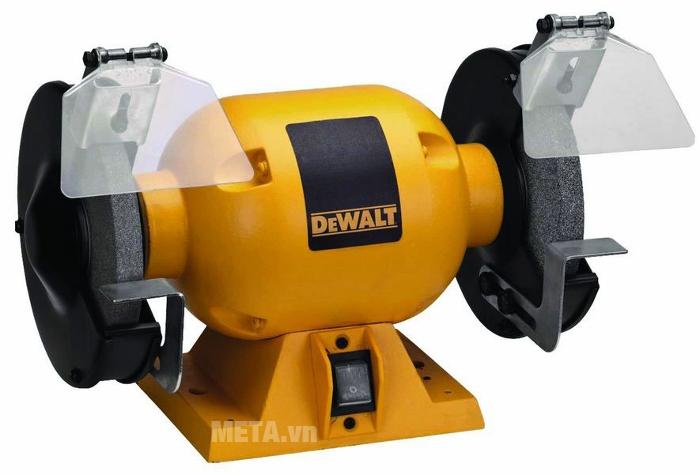 Máy mài hai đá 150mm DeWalt DW752R có kính chắn bụi, giúp người làm việc tránh nguy cơ bị bụi mài bay vào mắt, mũi