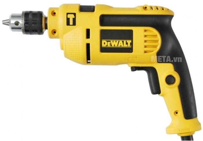 Máy khoan động lực DeWalt DWD022 dùng khoan gỗ, khoan thép và khoan bê tông.