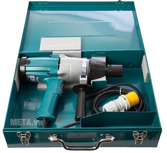Máy vặn ốc Makita 6906 được đựng trong hộp giúp cất giữ và mang theo sử dụng dễ dàng.