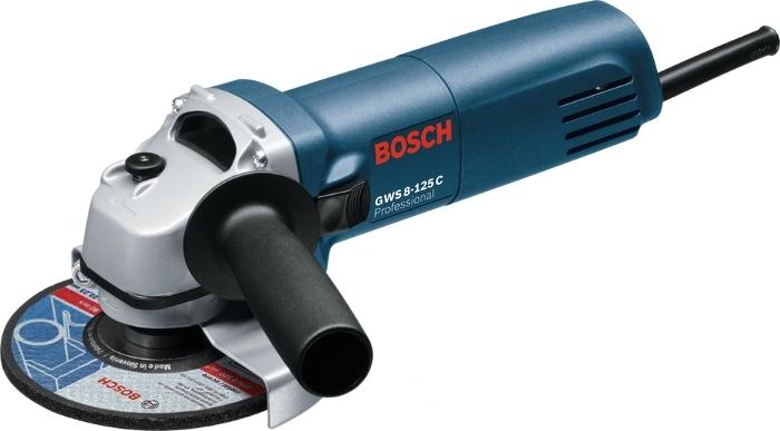 Máy mài góc Bosch GWS 8-125C thao tác tốt nhờ lớp vỏ công thái học.