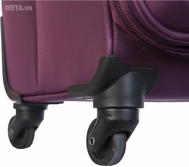 Vali kéo cao cấp Brothers 20 inch BR-1507 với thiết kế chân đế xoay 360 độ.