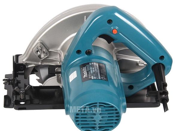 Máy cưa đĩa Makita 5806B dễ dàng điều khiển cũng như kiểm soát những đường cắt theo ý mình.