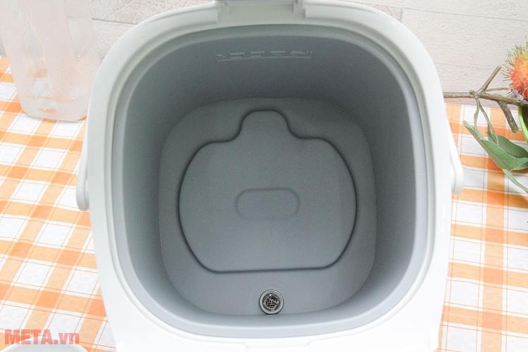 ình thủy điện Toshiba PLK-30FL(WT)VN dễ vệ sinh bên trong bình.