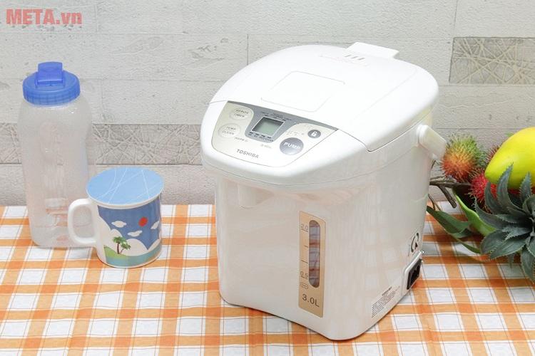 Bình thủy điện Toshiba PLK-30FL(WT)VN có màu trắng sang trọng.