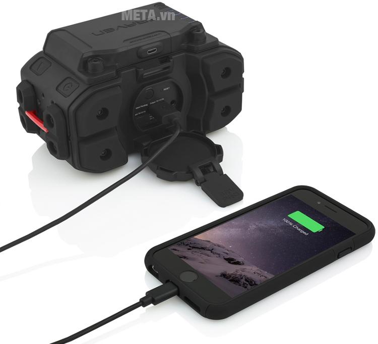 Loa Braven BRV Pro có thể kết nối với điện thoại di động dễ dàng.
