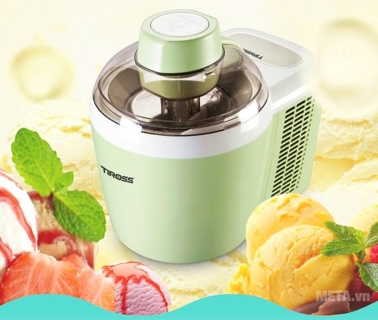 Máy làm kem Tiross TS-9090 giúp bạn làm kem trái cây cực nhanh, giữ lạnh tới 6 giờ.