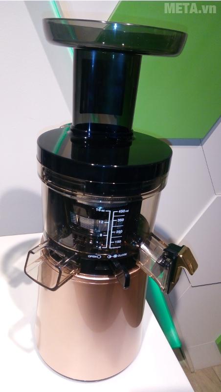 Máy ép trái cây Hurom HAA-LBE17 hạn chế tiếng ồn tối đa khi vận hành.
